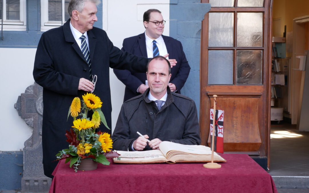 """Offiziell eingeladen als Minister – """"aus vollem Herzen"""" gekommen als Andernacher"""